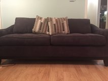 Couch with pull out bed in Nashville, Tennessee