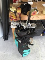 Wilson golf clubs and bag complete set right hand in Camp Lejeune, North Carolina