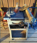 Dewalt table saw in Fort Leonard Wood, Missouri