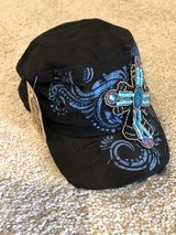 New with tags Women's hat in Tomball, Texas