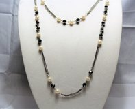 """NWOT Black White 40"""" Silver Pewter Tone Statement Necklace Pendant Bead Chain in Kingwood, Texas"""