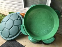 Turtle sand box and cover- like new in Fort Rucker, Alabama