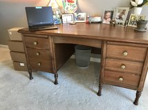 Leopold Desk in St. Charles, Illinois