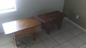 2 small bench chairs in Fort Polk, Louisiana
