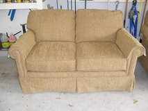 Broyhill Sofa & Loveseat in Bellaire, Texas