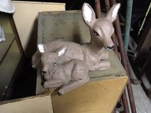 *~* CONCRETE MAMA and BABY DEER *~* GOOD CONDITION in Fort Lewis, Washington