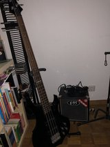 Electric Bass ESP f104+Amplifier in Stuttgart, GE