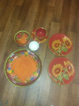 Household Dishes Lot in Yucca Valley, California