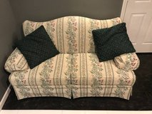 Flex Steel love seat with 2 pillows in Joliet, Illinois