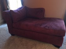 Settee/lounge couch in Westmont, Illinois