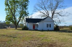 Grandma's Farm House 11.67 Acres For You & Your Family. Charming Victorian Farm House in Camp Lejeune, North Carolina