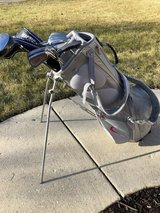Full set of golf clubs with Nike bag in Bolingbrook, Illinois