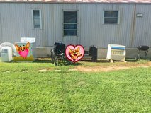 Little Tykes toy box/toys in Fort Campbell, Kentucky