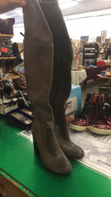 Ladies Boots - Size 8 in Fort Leonard Wood, Missouri