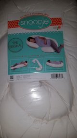 Snoogle pregnancy pillow Brand new in Tinley Park, Illinois