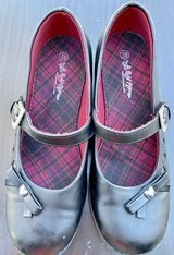 Size 3 m girls black shoes in Lockport, Illinois