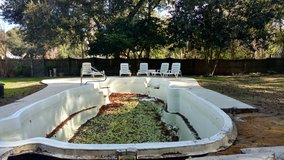 Inground fiberglass pool in Beaufort, South Carolina