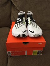New Mens Nike Flylon Cross Fit shoes size 8.5 in Glendale Heights, Illinois