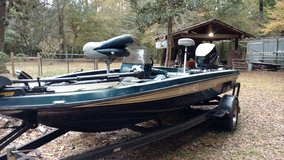 17' Champion Bass Boat in Livingston, Texas