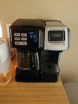 Coffee maker/kcups (dual use) in Fort Bliss, Texas