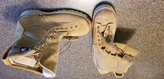 Danner Desert Acadia 26000 Boots in Fort Leonard Wood, Missouri