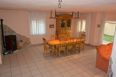 TLA 4 BR house, 15 min from Ramstein AB, Niedermohr, family house with private yard & car in Ramstein, Germany