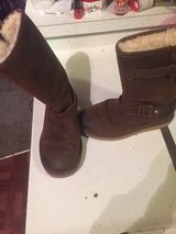 Uggs size 6 in 29 Palms, California