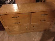 vintage all wood 6 draw dresser in Fort Campbell, Kentucky