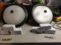 2 light fixtures with 6 new cfl bulbs in Joliet, Illinois