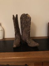 Studded Women's Cowboy boots in Ramstein, Germany
