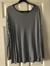 Michael Kors diagonally striped, kimono sleeve top 3x, plus size in Naperville, Illinois