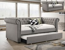 BRAND NEW! LUXURIOUS LINEN TUFTED DAYBED WITH PULLOUT TRUNDLE! in Camp Pendleton, California
