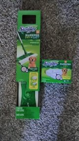 2 Swiffer sweeper dry & wet with extra pads in 29 Palms, California