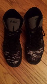 boy's wrestling shoes size 11 in Naperville, Illinois