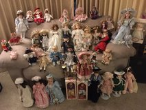 """*** LOTT of 45 PORCELAIN DOLLS (4"""" TO 18"""" in size) *** VERY GOOD CONDITION in Fort Lewis, Washington"""