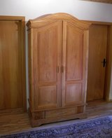 Armoire Wardrobe Closet - handmade teak Indonesia in Grafenwoehr, GE