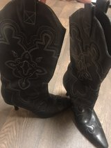 Kenneth Cole Reaction cowgirl style boots in Houston, Texas