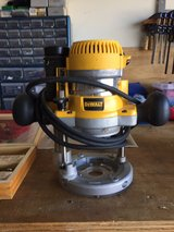 12 Amp 2.25 HP Foxed and plunge base corded router kit in Camp Lejeune, North Carolina