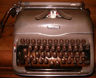 Vintage TRIUMPH Type Writer in Grafenwoehr, GE