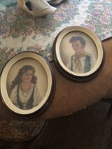 vintage oval framed pictures in Savannah, Georgia