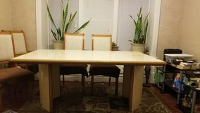 dining room table and chairs in Tinley Park, Illinois