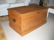 English solid pine box 1920s/1930 in Wiesbaden, GE