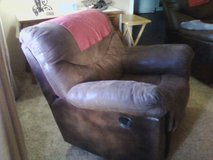 Nice Recliner! Make me and offer! in Alamogordo, New Mexico