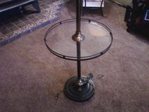 Nice antque, Stand up glass end table lamp. in Alamogordo, New Mexico