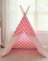 Teepee in Pleasant View, Tennessee
