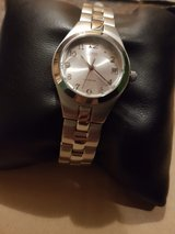 GUESS woman's watch. NEVER USED in Grafenwoehr, GE