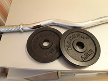 Bar with 2  2.5kg weights in Wiesbaden, GE