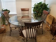 DINING ROOM TABLE w/4 CHAIRS in Macon, Georgia