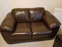 3PC LEATHER LIVING ROOM SET OTTOMAN w/PULL-OUT BED in Macon, Georgia