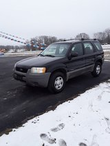 2001 Ford Escape in Fort Leonard Wood, Missouri